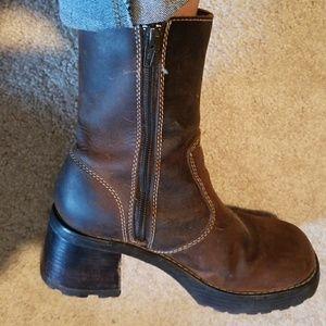 """Vintage"" Leather Skechers"